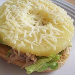 Hawaiian Tuna Sandwich CookinBug