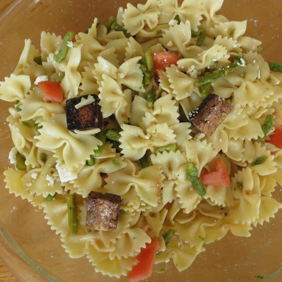 Balsamic Vinegar Tofu and Asparagus Pasta Salad