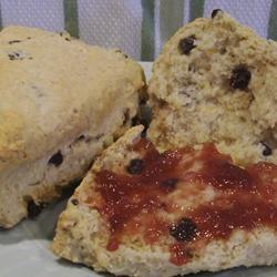 Oatmeal-Currant Scones