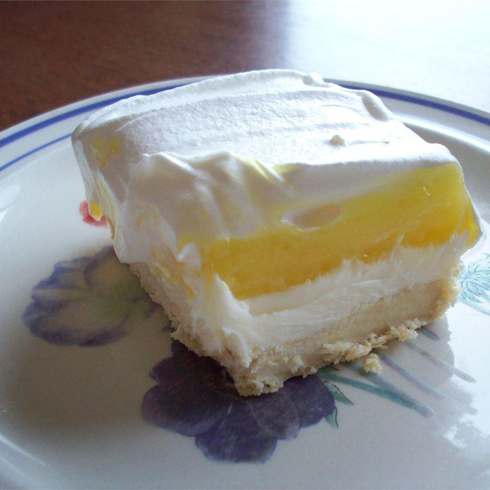 Lemon Lush bellydancer