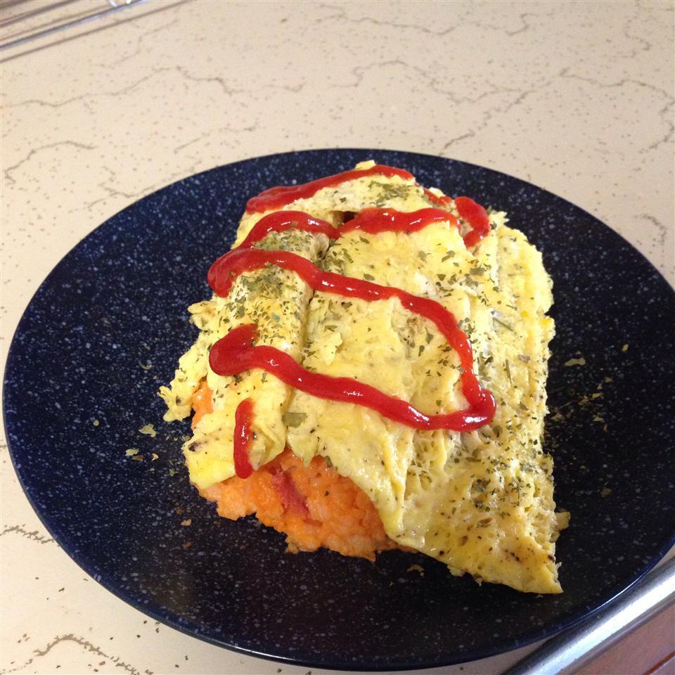 Omuraisu (Japanese Rice Omelet)