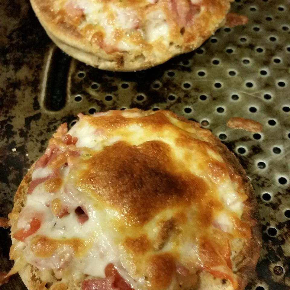 Quick and Easy Mini Salsa Pizzas Michael Flory