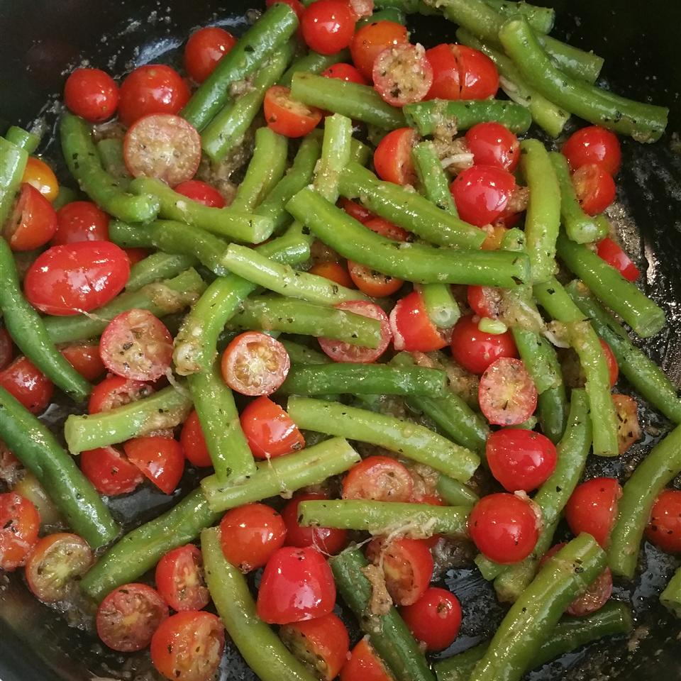Green Beans with Cherry Tomatoes Jessica L