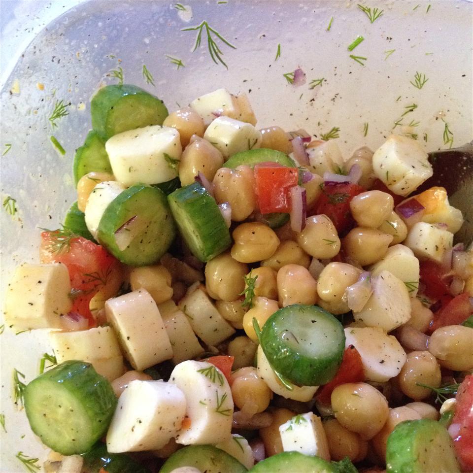 Mediterranean Chickpea Salad Pessimist01
