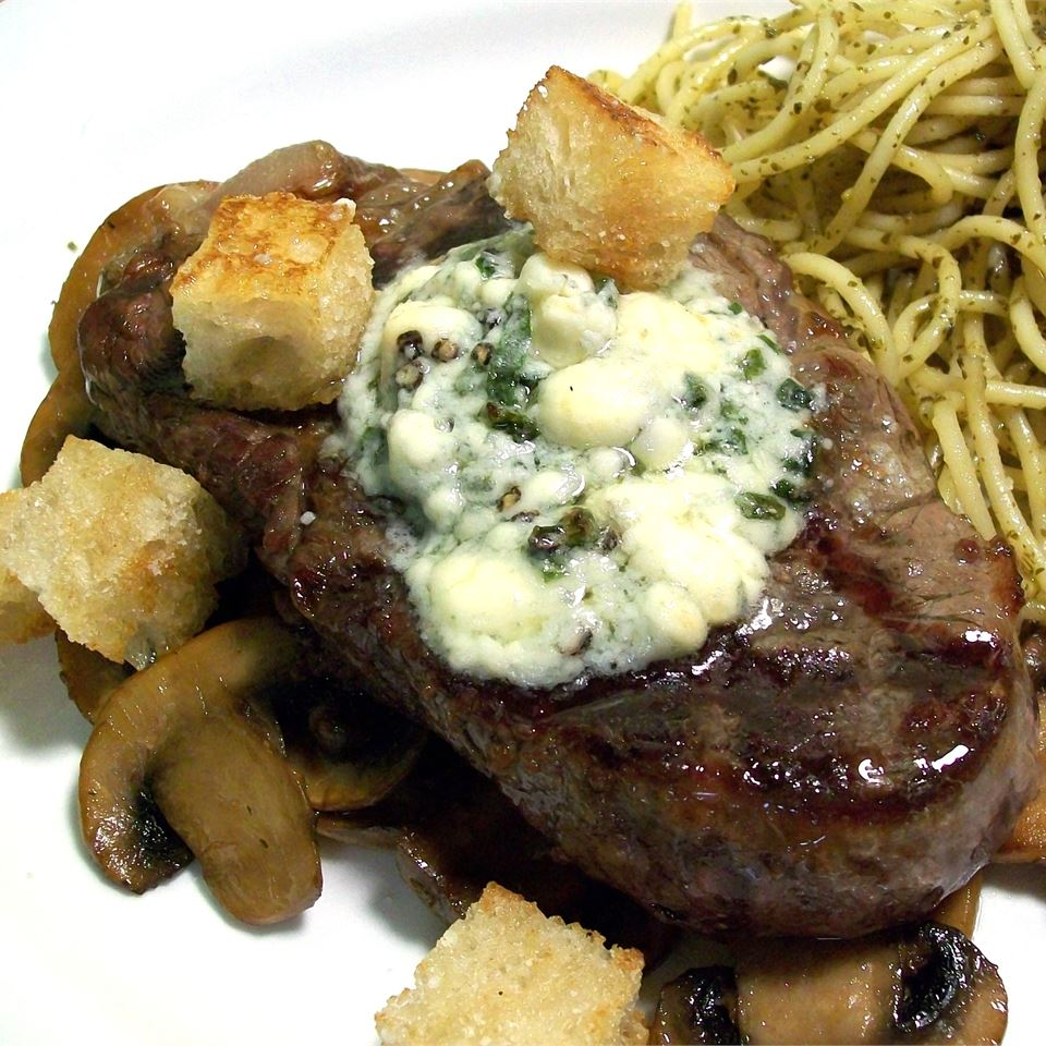 Beef Steaks With Blue Cheese SunnyByrd