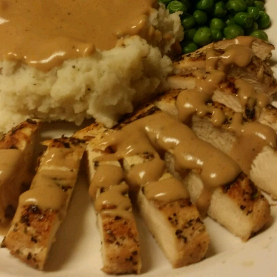 Garlic Cream Sauce over Chicken Breasts flashfist