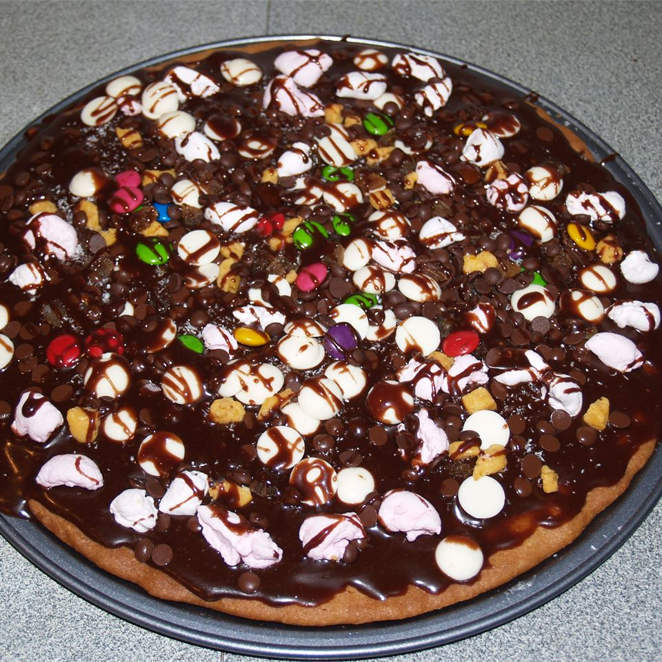 Chocolate Cookie Pizza Mary-rose