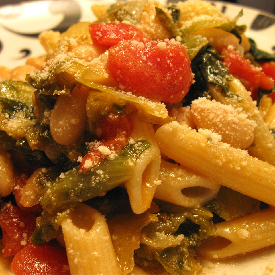 Penne Pasta with Cannellini Beans and Escarole