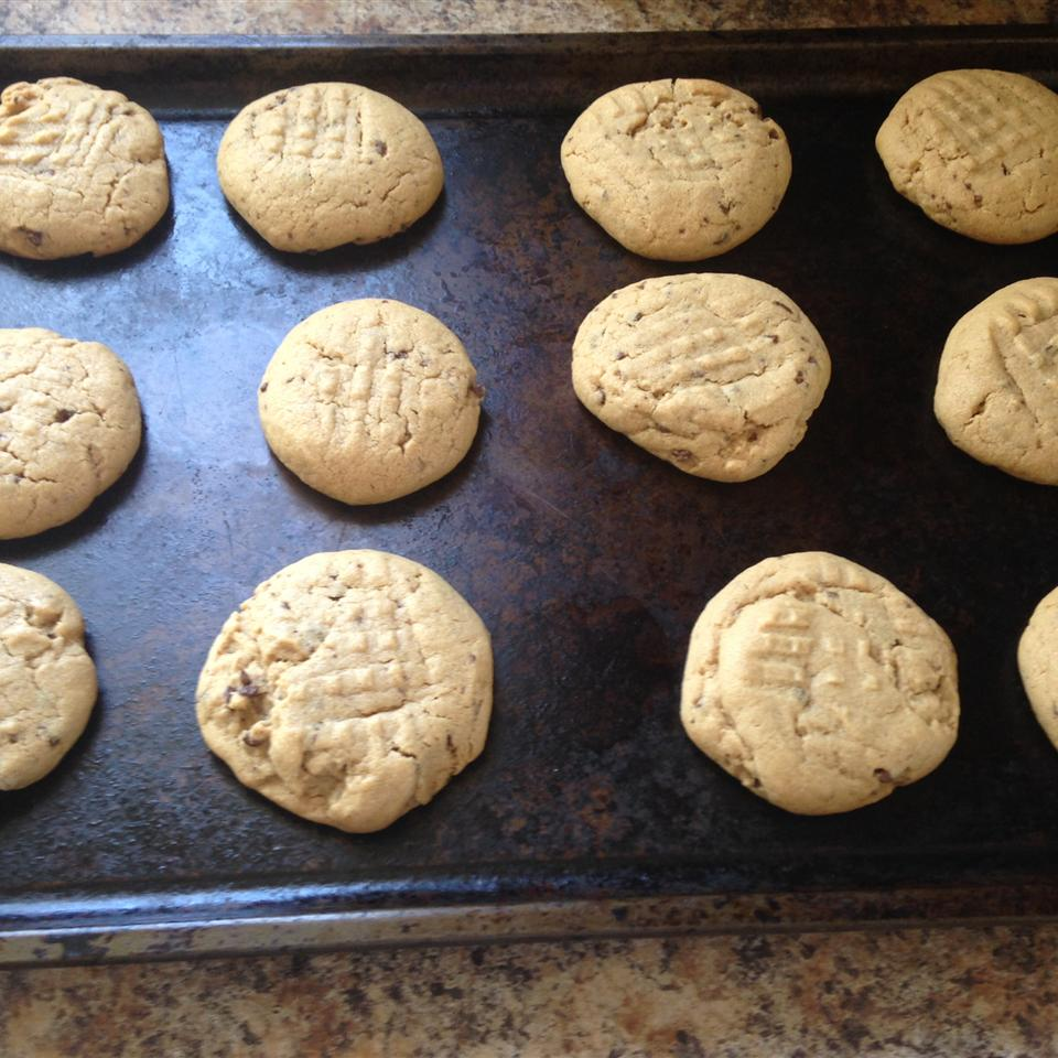 Soft and Chewy Peanut Butter Cookies Sarah