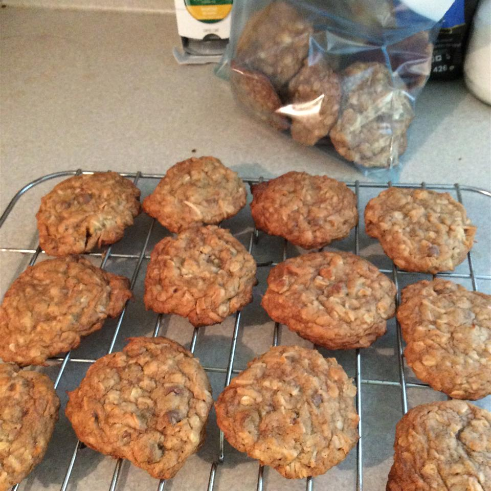 Soft Oatmeal Coconut Chocolate Chip Cookies koofie