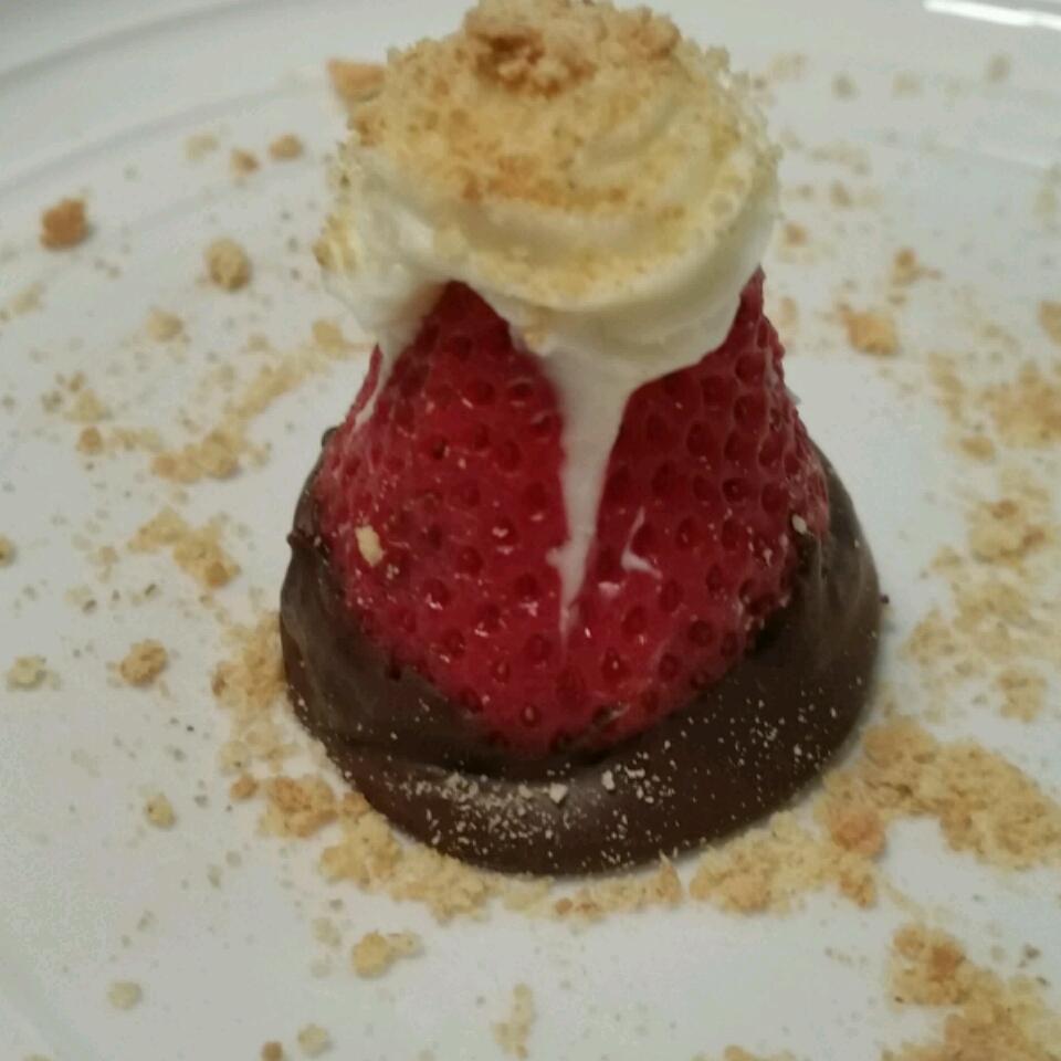 Strawberry Cheesecake Bites hnadkins0325