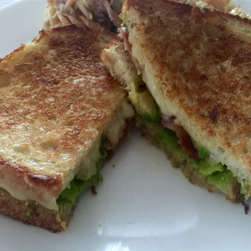 Bacon, Avocado, and Pepperjack Grilled Cheese Sandwich Brittay O'Neal