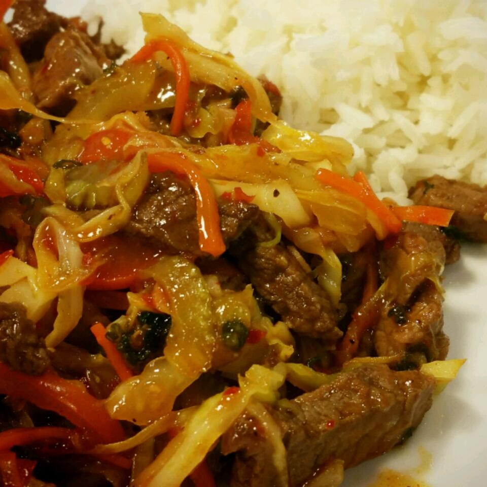 Spicy Thai Steak and Vegetable Stir Fry Gabby