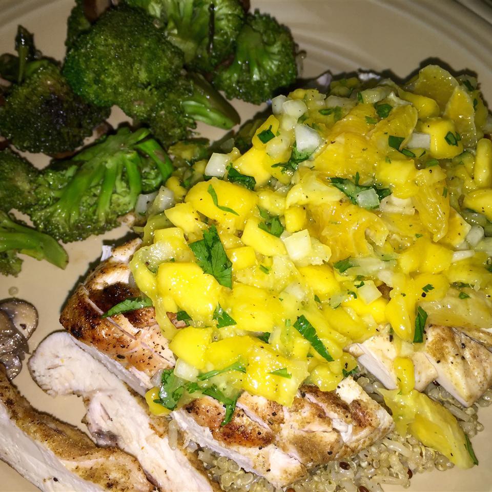 Coriander Chicken with Mango Salsa Tpaz007