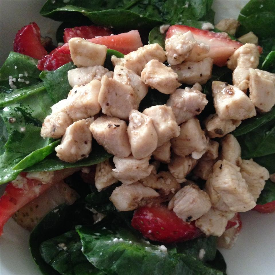 Spring Strawberry Salad with Chicken savila