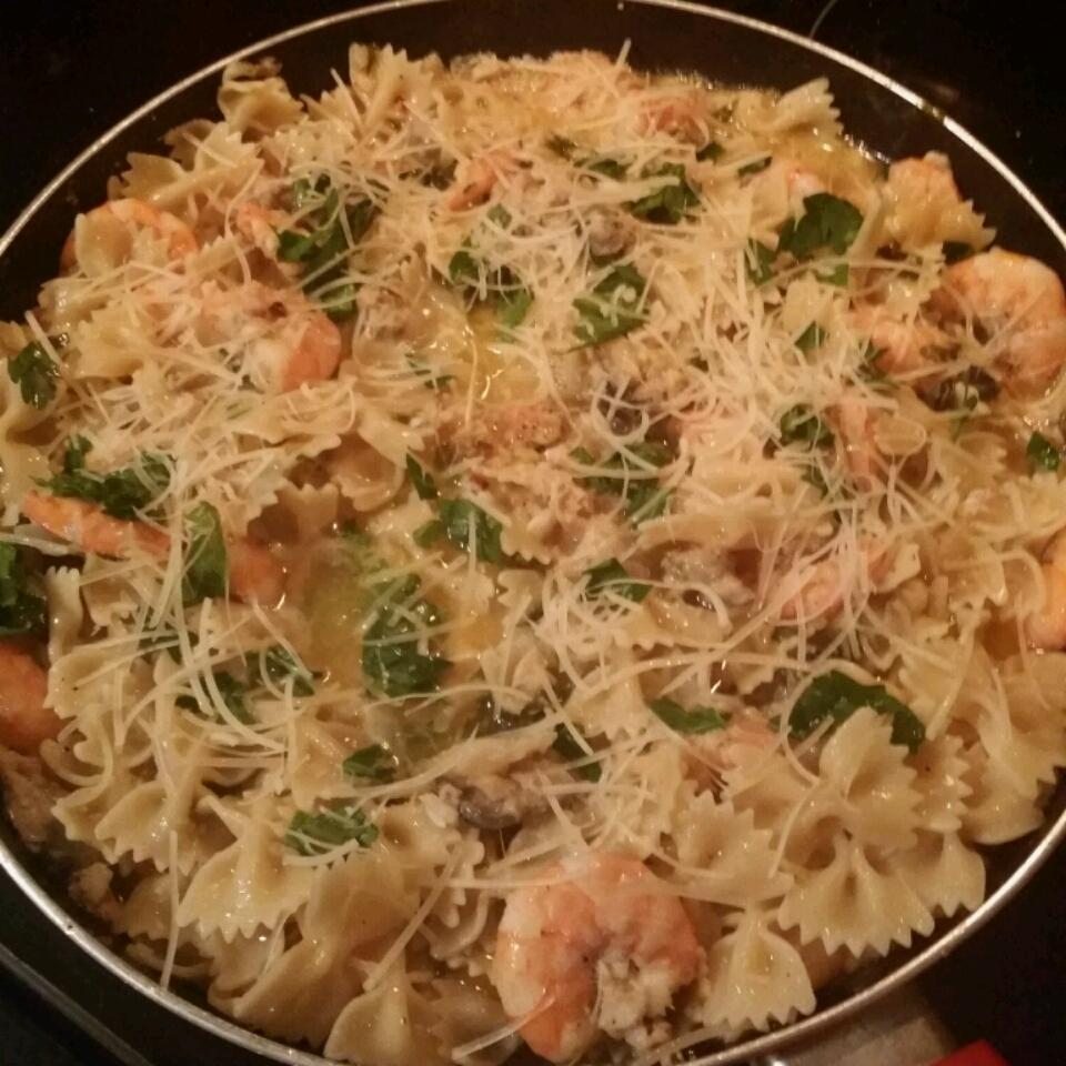 Pasta With Shrimp, Oysters, and Crabmeat