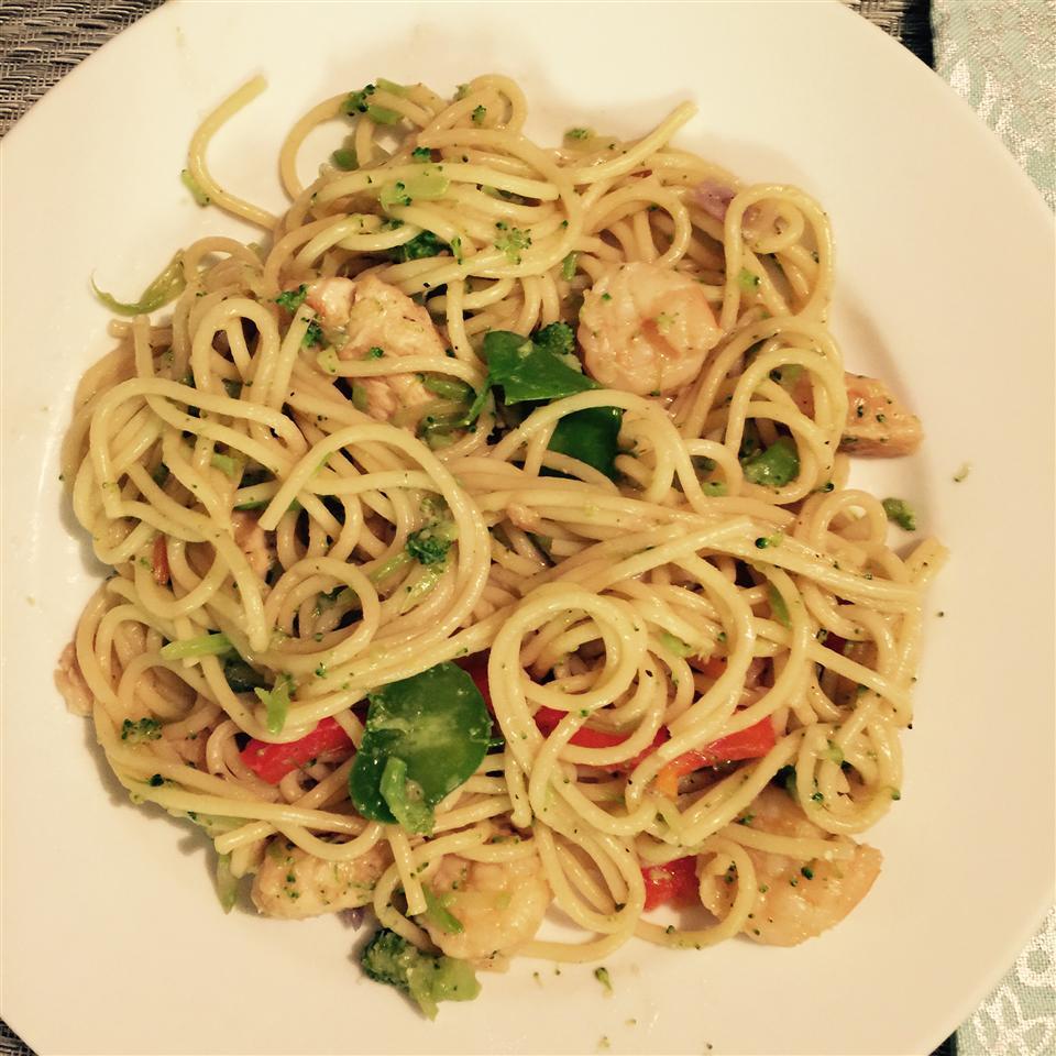 Chicken Lo Mein with Broccoli julie