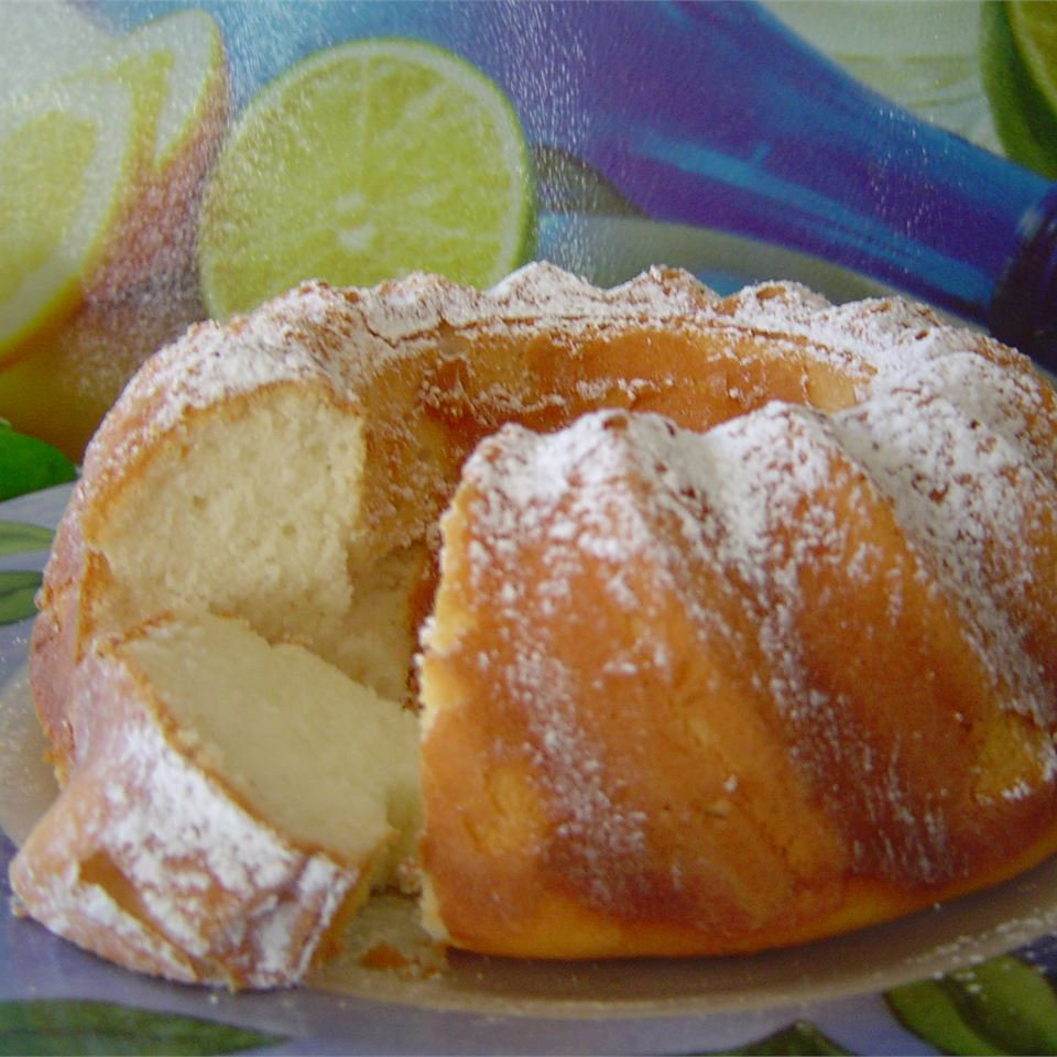 Lemon Fluff Cake Carol
