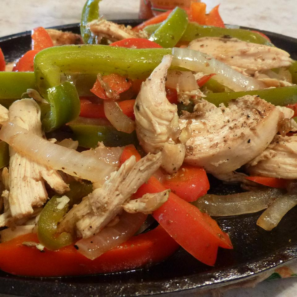 Spicy Chicken Fajitas AcaCandy