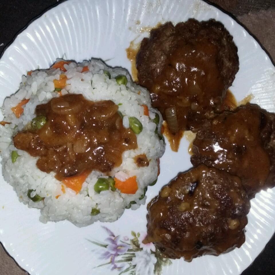 Hamburger Steak with Onions and Gravy Israa