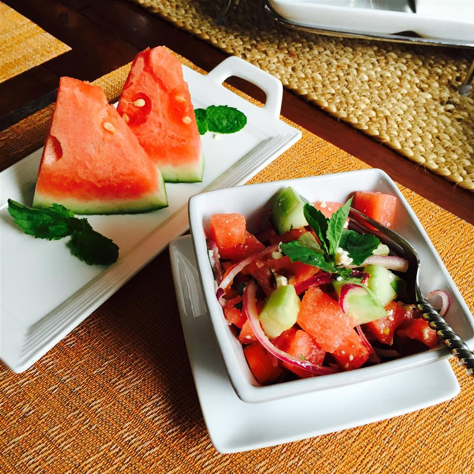Refreshing Cucumber Watermelon Salad kateroo