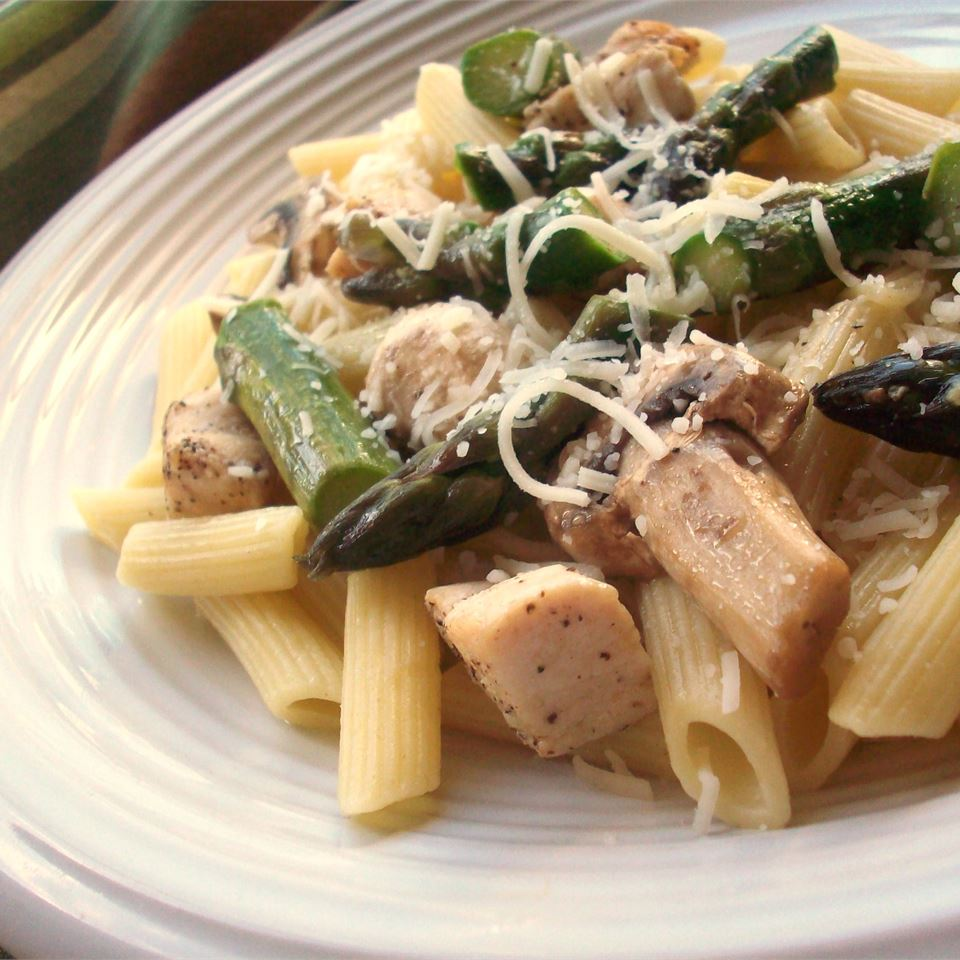 Penne with Chicken and Asparagus LAUREL B