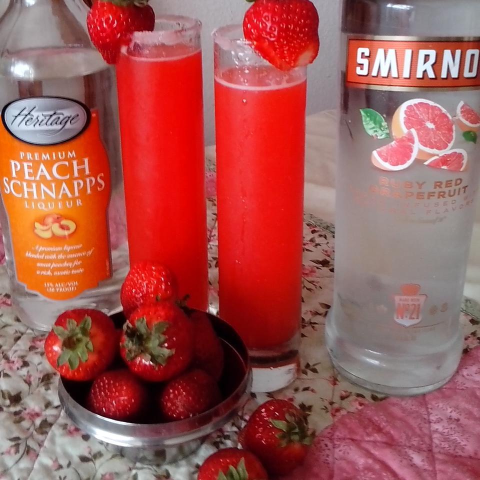 Strawberry Lemonade Cocktail Nakiah Burnes
