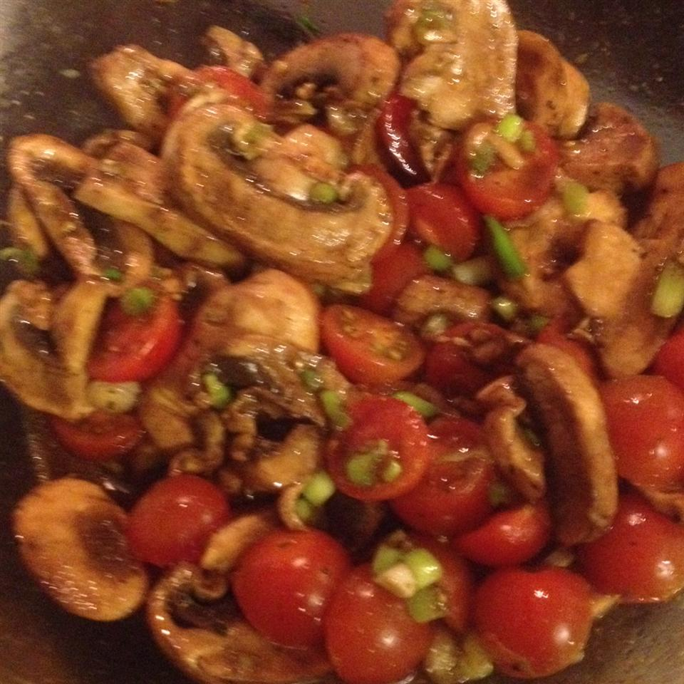 Byrdhouse Marinated Tomatoes and Mushrooms rob