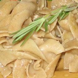 Rosemary Pasta in Roasted Garlic Sauce