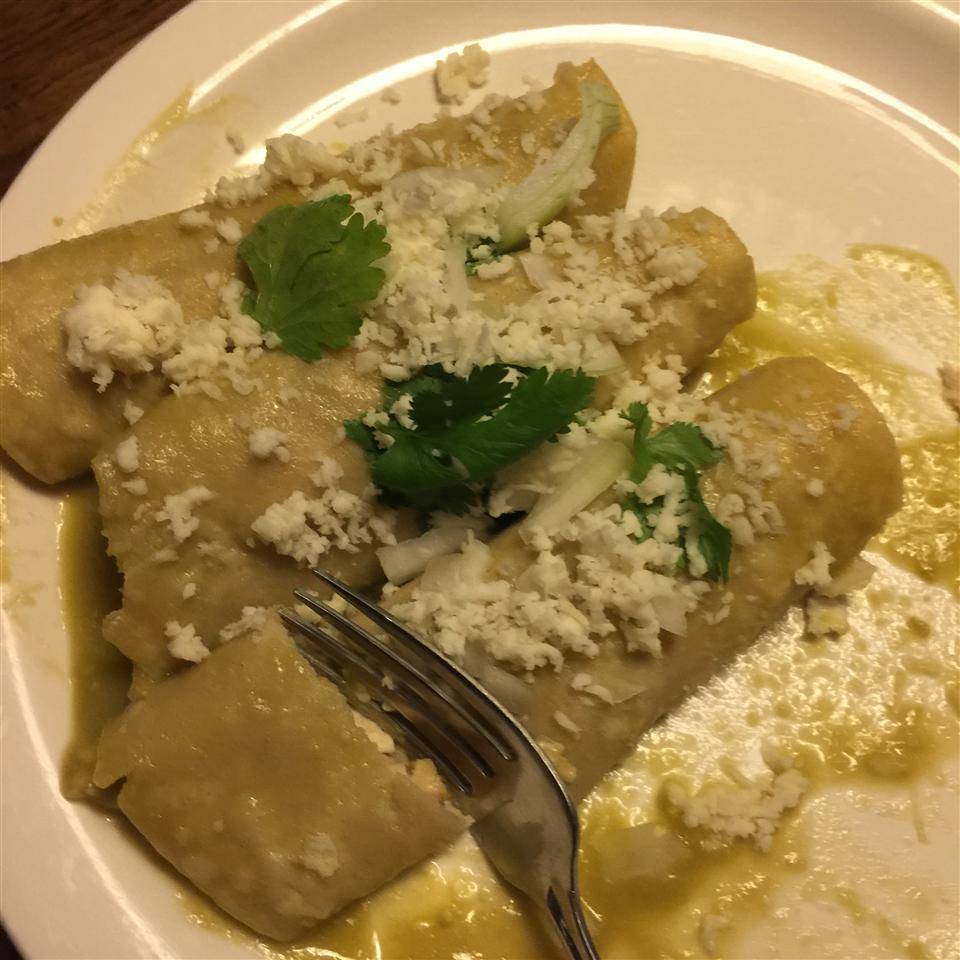 Authentic Enchiladas Verdes j9inLACA