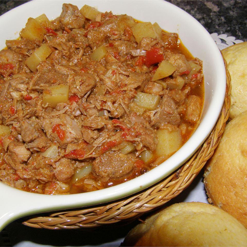 Easy Slow Cooker Carne Guisada