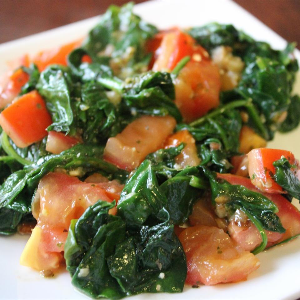 Pesto Spinach and Tomatoes mommyluvs2cook