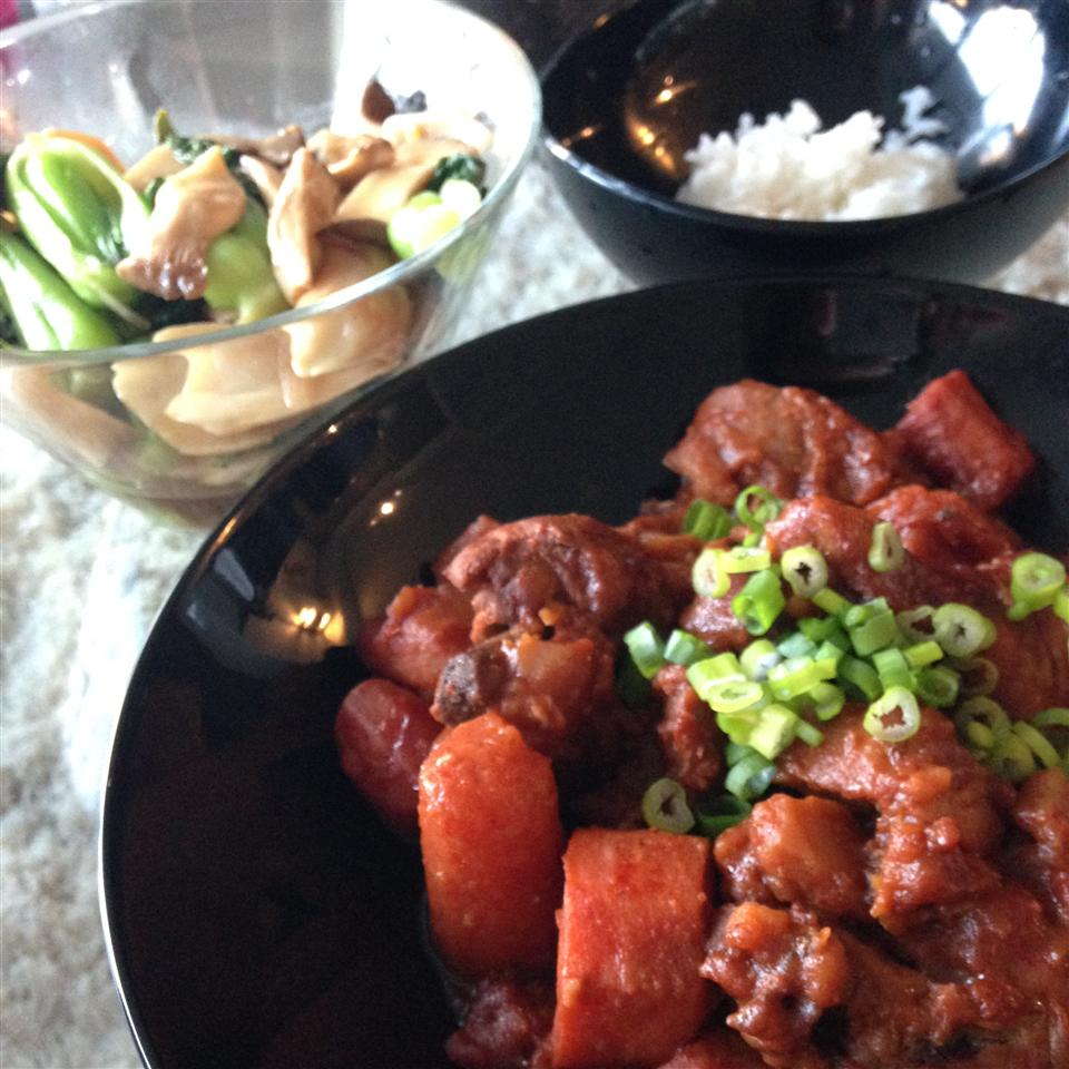 """""""A very easy meal to make,""""says sarakyong. """"Chicken drumettes, potato, carrots, and onion simmer in a spicy sauce that goes best with white rice."""""""