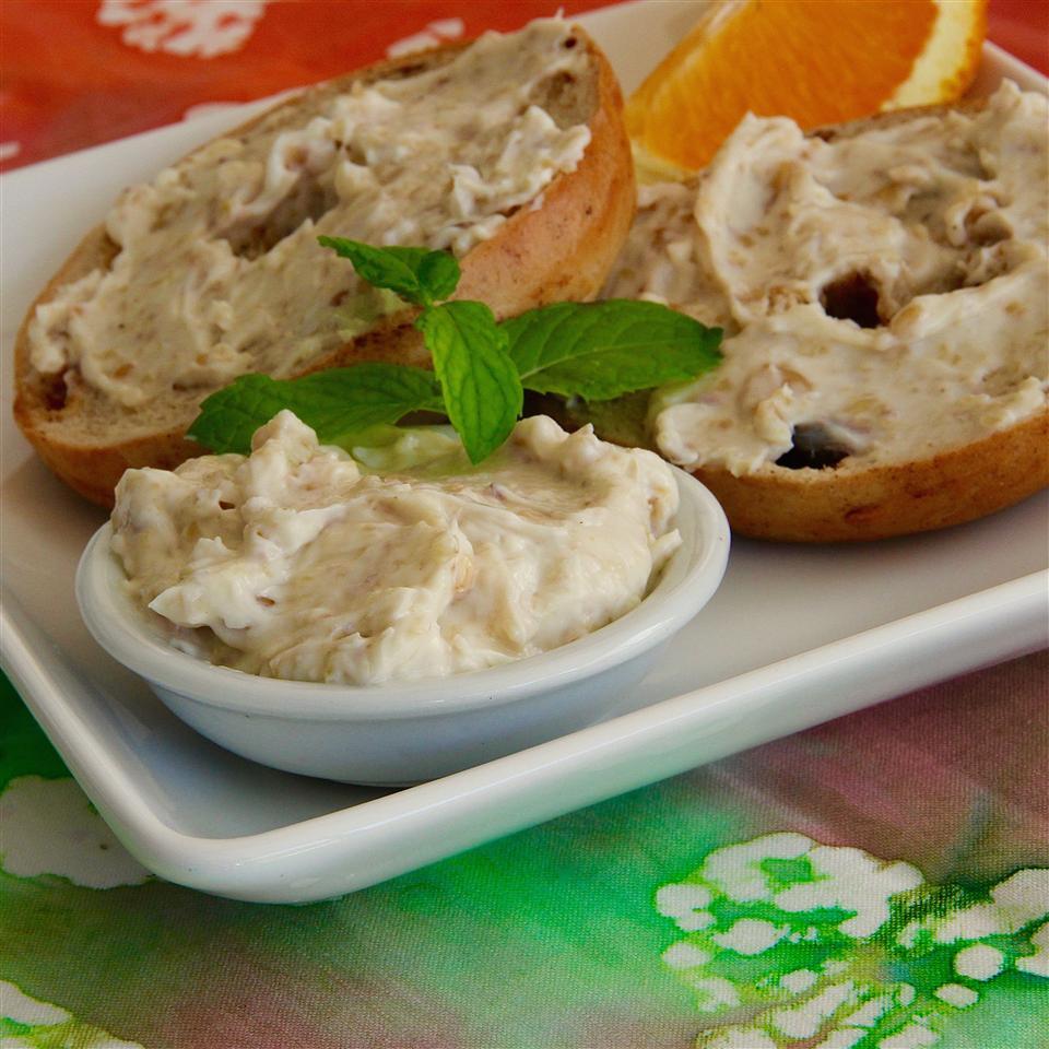 Honey Walnut Cream Cheese lutzflcat