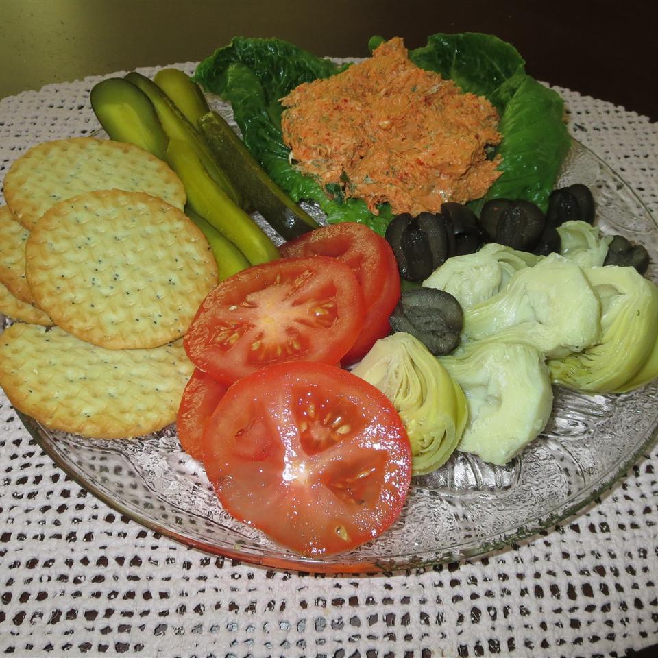 Artichoke and Salmon Salad Phoebe