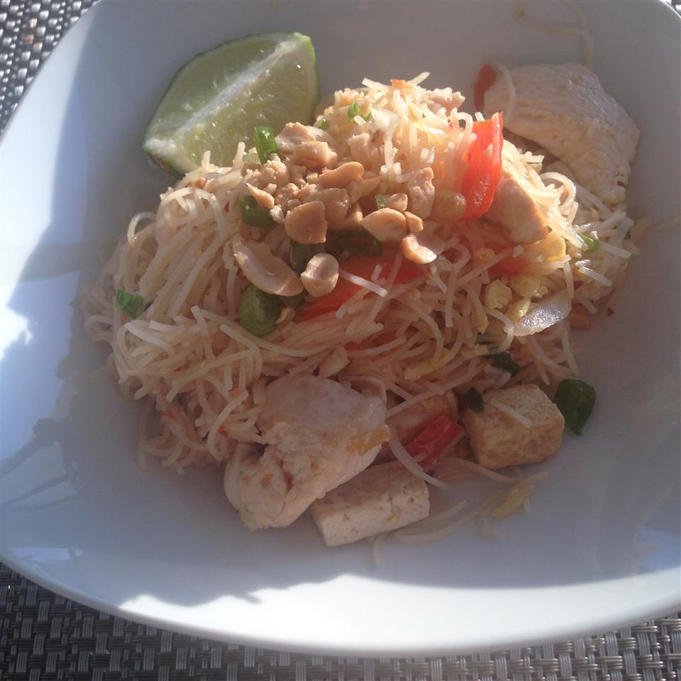 Authentic Pad Thai Noodles natashasary