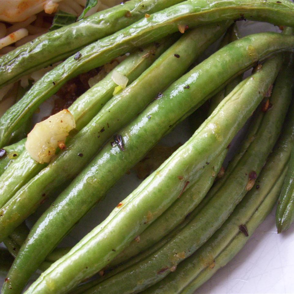 Simple and Tasty Green Beans Chef V