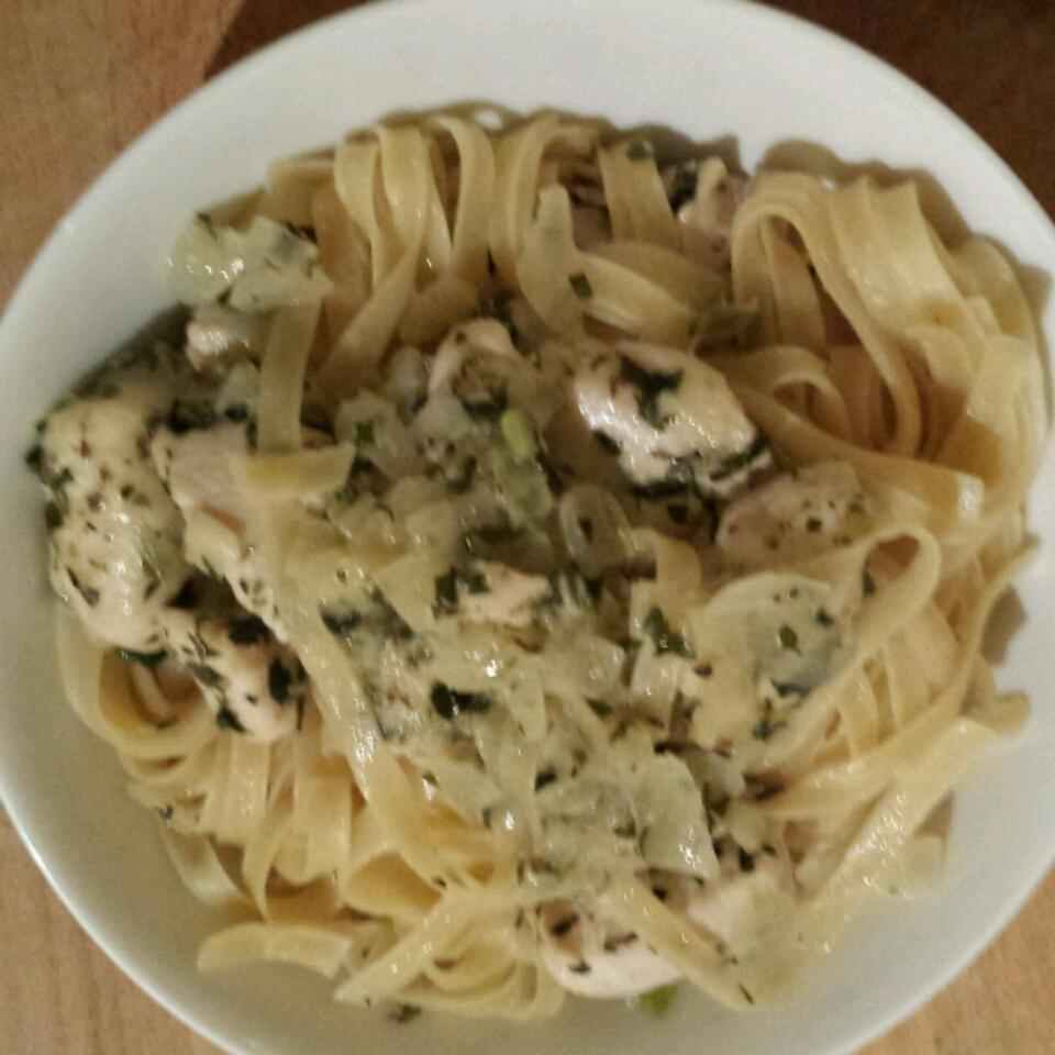Chicken and Onions Over Linguini Finchy4