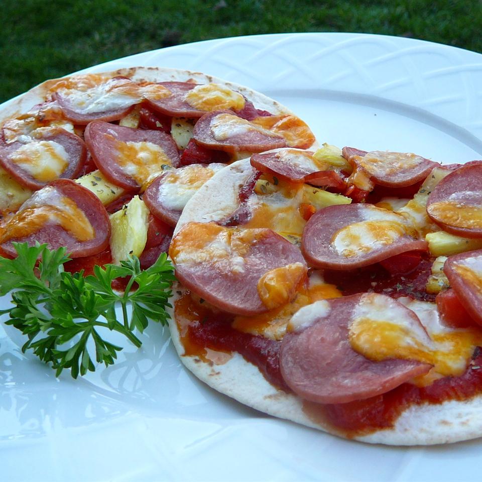 Fast Hawaiian Pizza