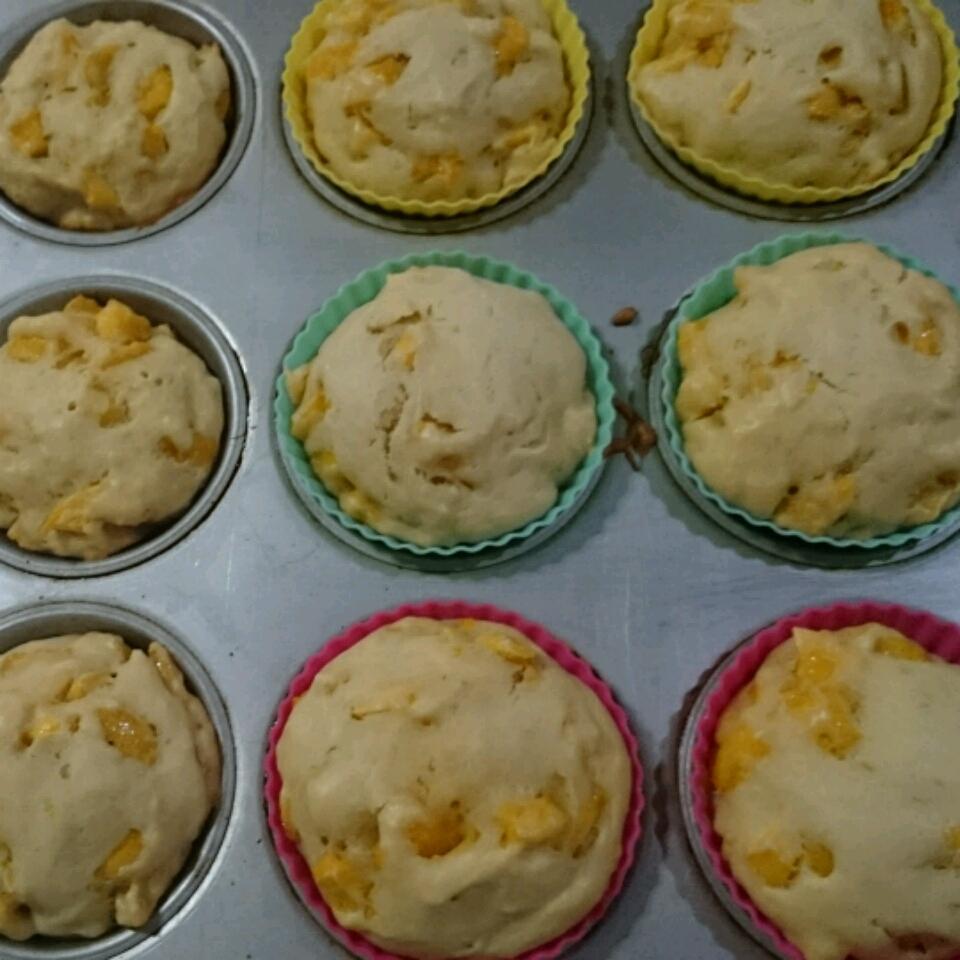 Fresh Mango Muffins yacqueniqui