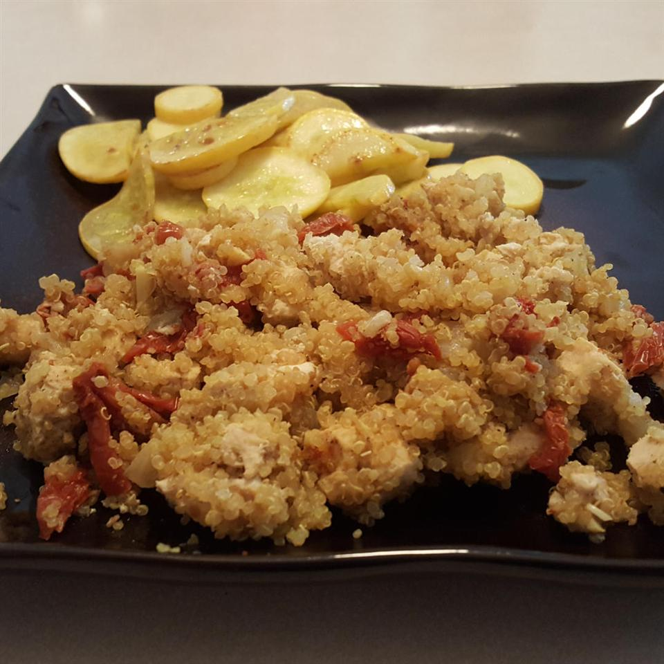 Rice Cooker Chicken Quinoa with Sun-dried Tomatoes