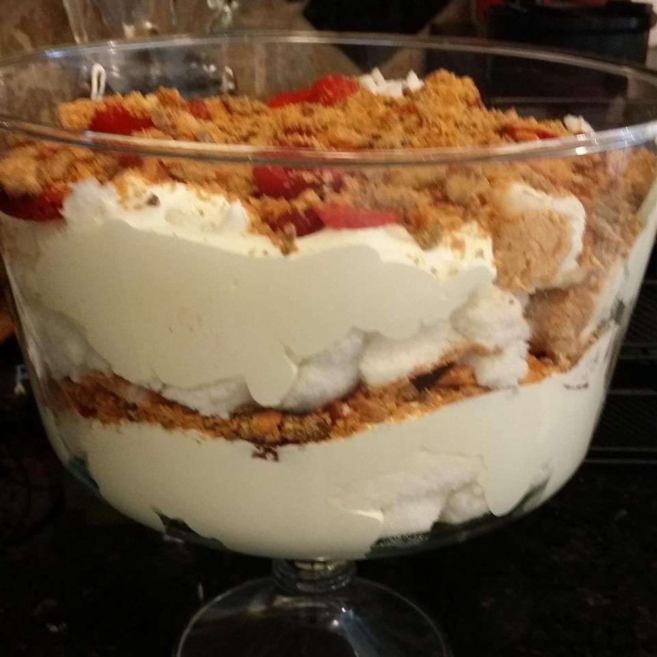 Easy Butterfinger® Cake Kim hoesl