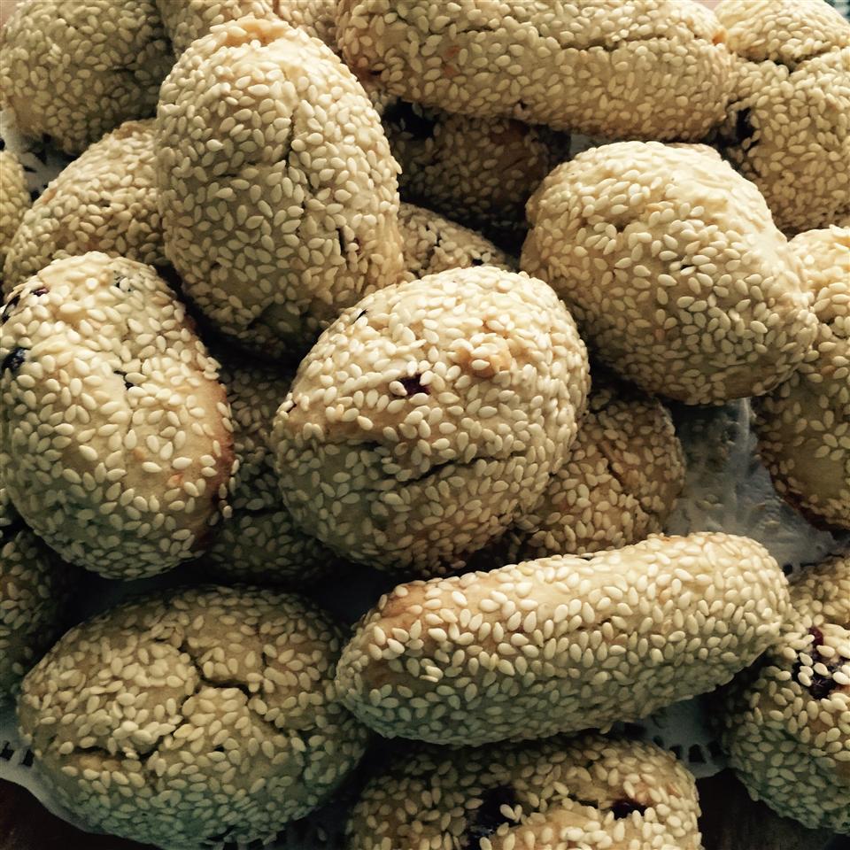 Aunt Anne's Sesame Cookies Gail Hack