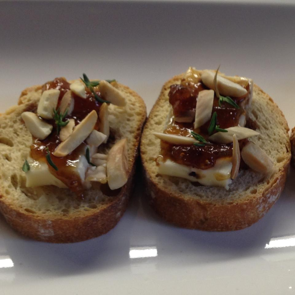 Petit Toasts with Brie, Fig, and Thyme