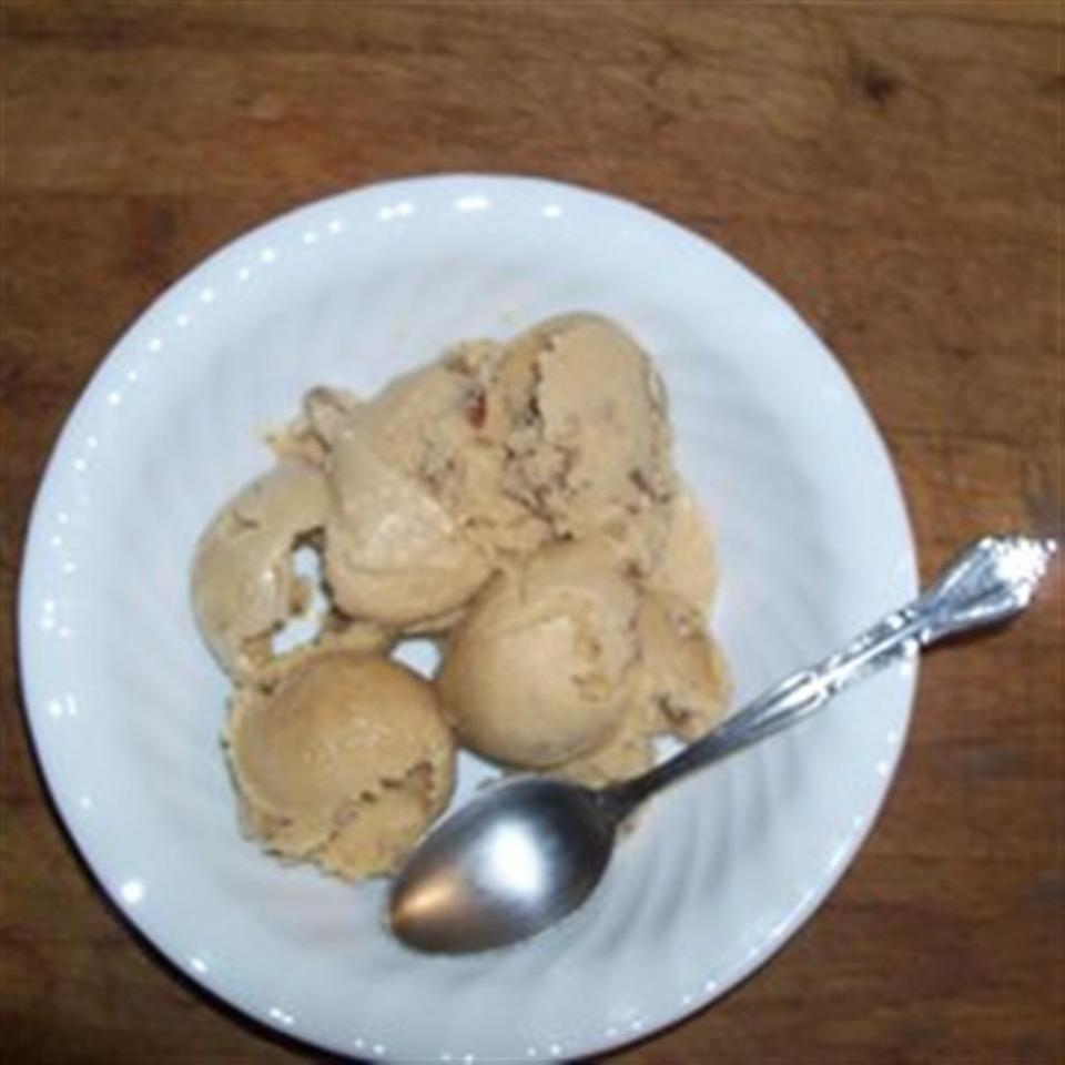 No-Cook, Homemade Butter Pecan Ice Cream