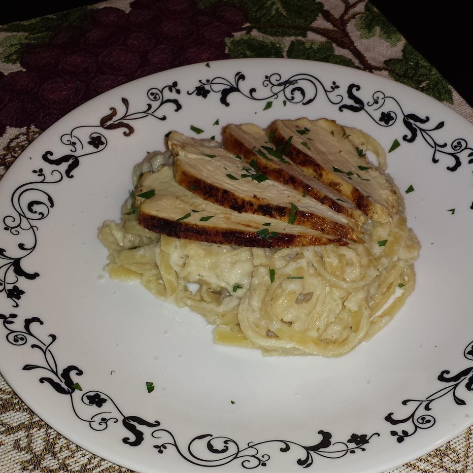 Lighter Spaghetti Alfredo with Cauliflower Semigourmet
