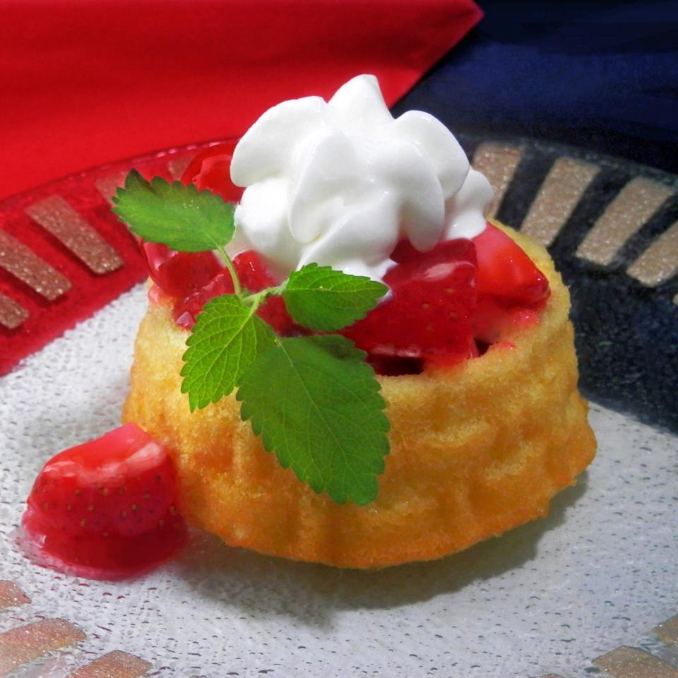 Quick and Easy Strawberry Shortcake brittany