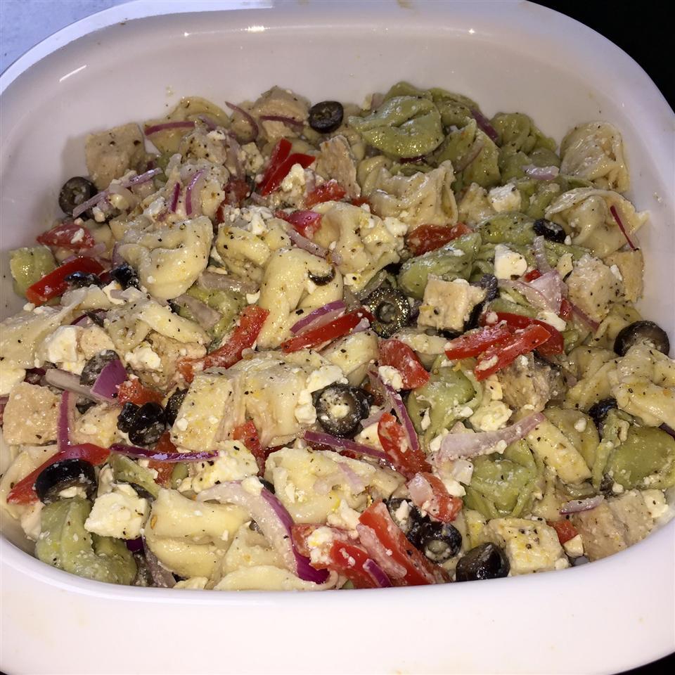 Charlotte's Tortellini Salad Blackbottomcupcake
