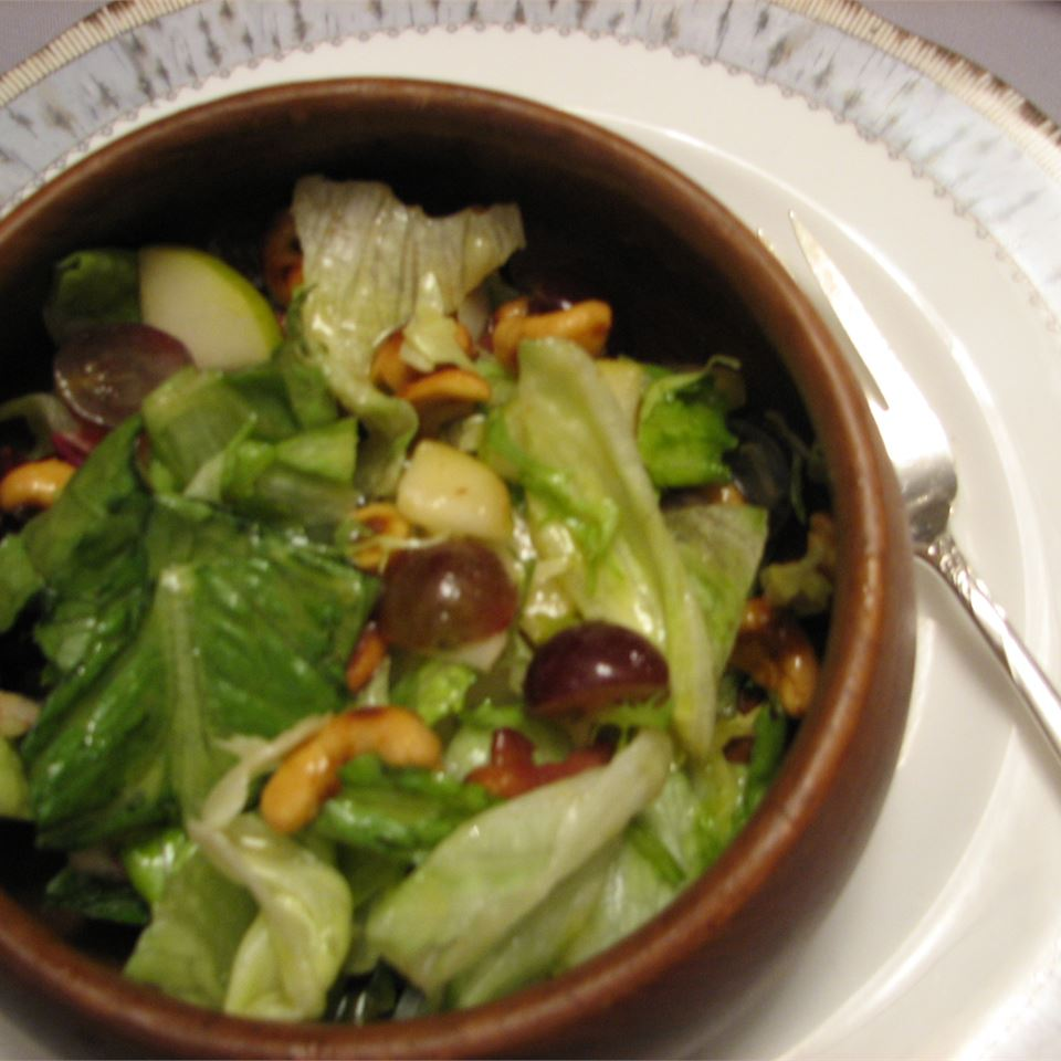 Curried Cashew, Pear, and Grape Salad Phyllis Trinke Funk