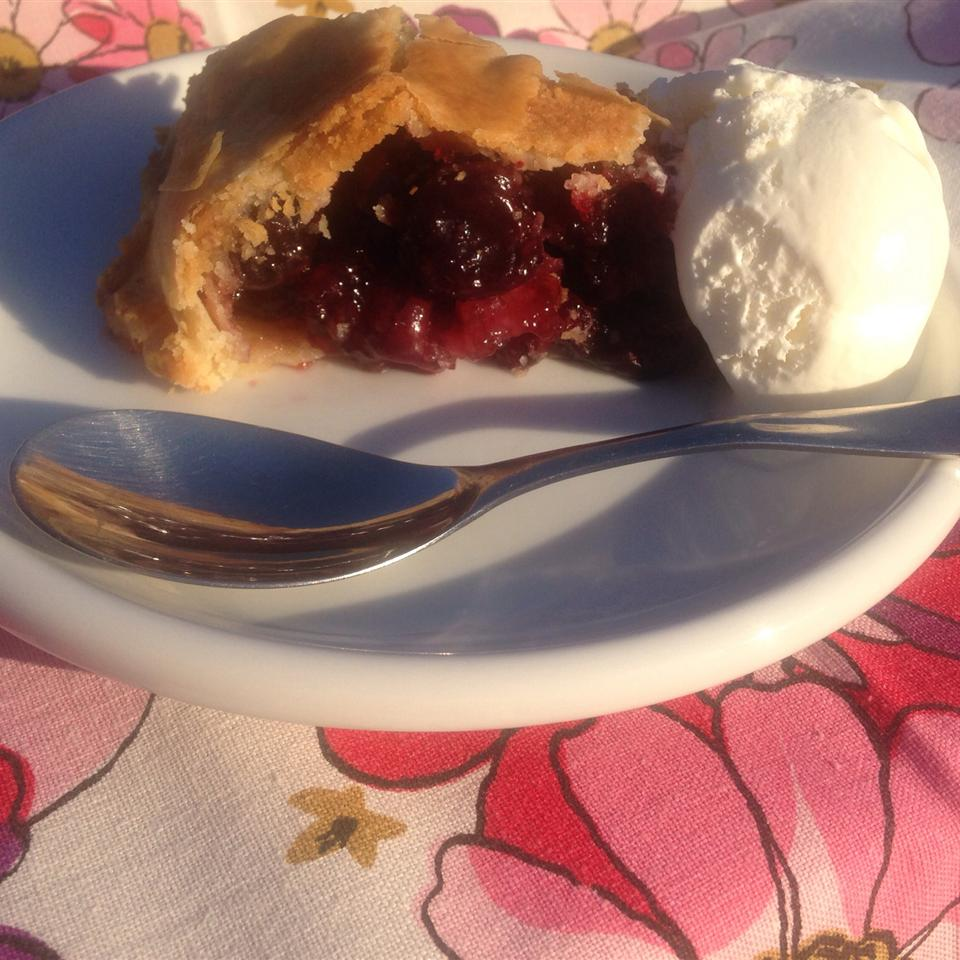 Baked Fresh Cherry Pie